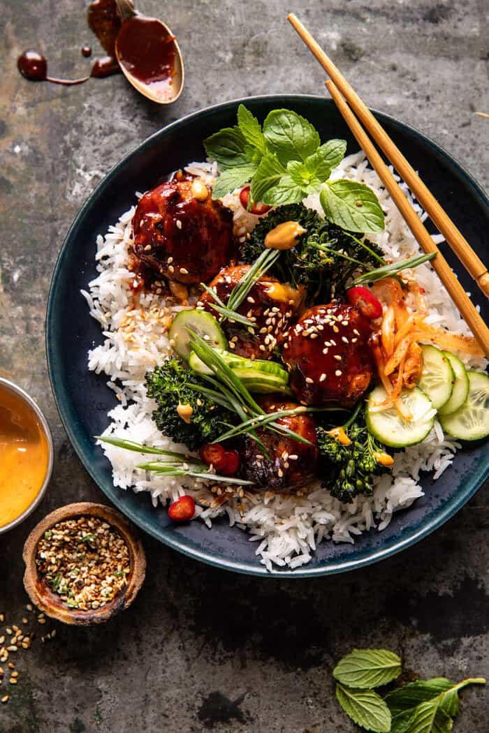 Lapos Pan Sticky koreai csirkehúsgombóc |  halfbakedharvest.com