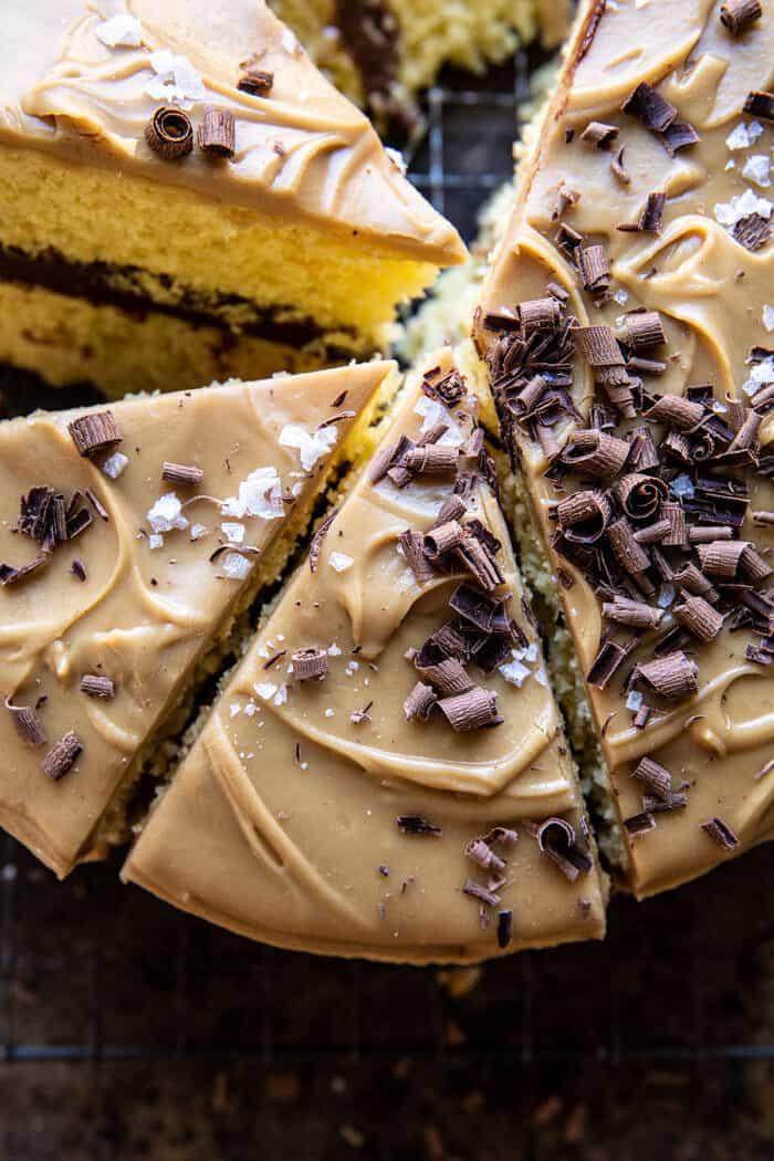 zár-megjelöl fénykép karamellás vaj torta fudgy csokoládé cukormáz