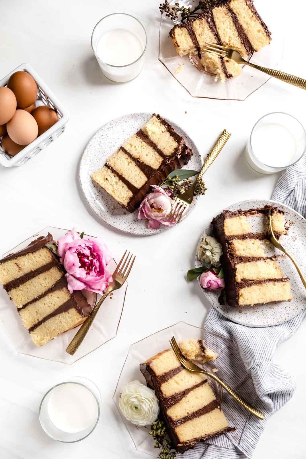 Bármelyik nap úgy érezheti magát, mint egy születésnap, az eddigi legjobb vaníliás süteménygel, csokoládéfagyival.  Ez a torta az ünnep!