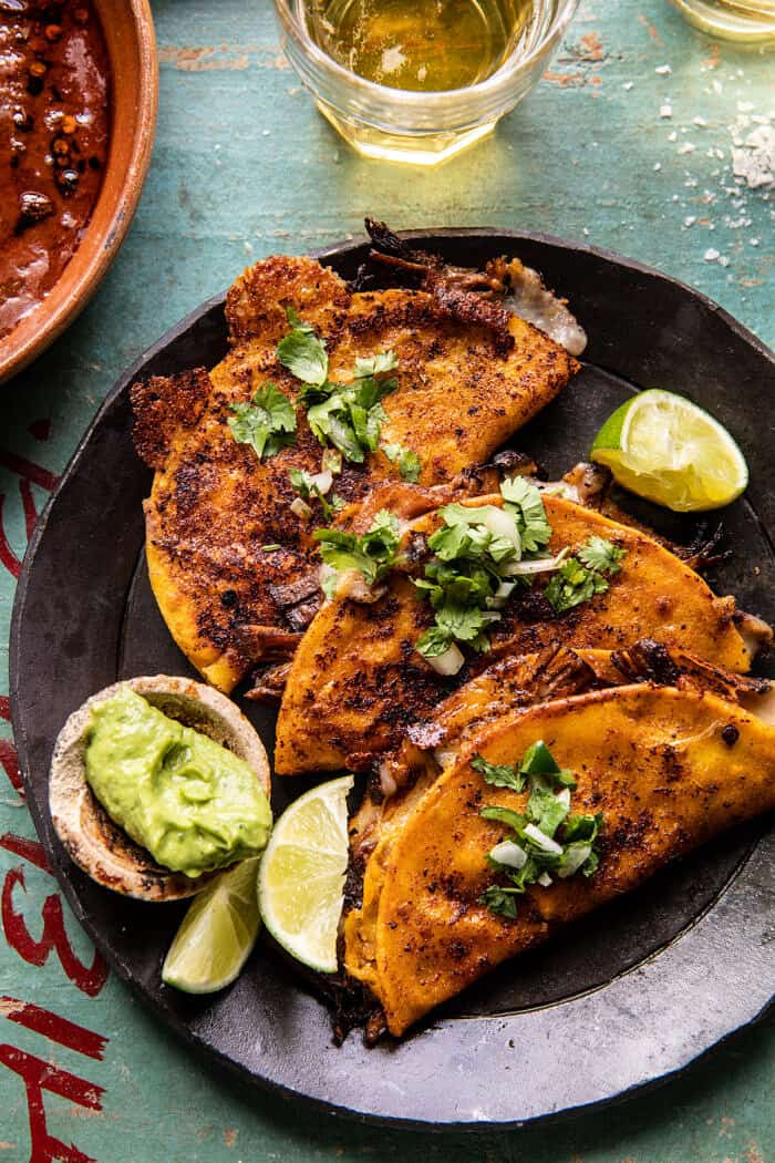 Ropogós párolt chipotle marhahús Tacos  halfbakedharvest.com
