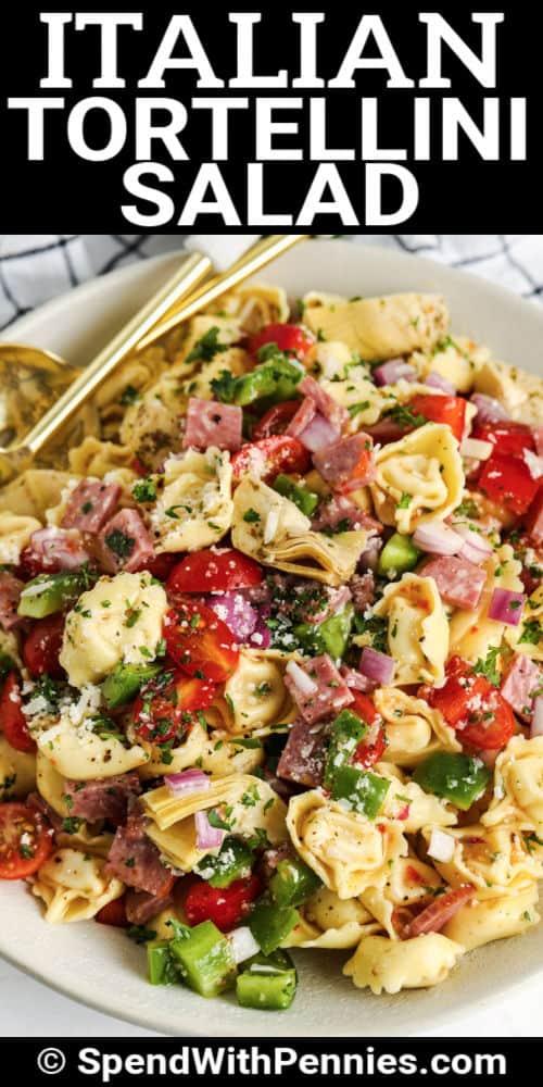 Olasz Tortellini saláta kanállal és írással