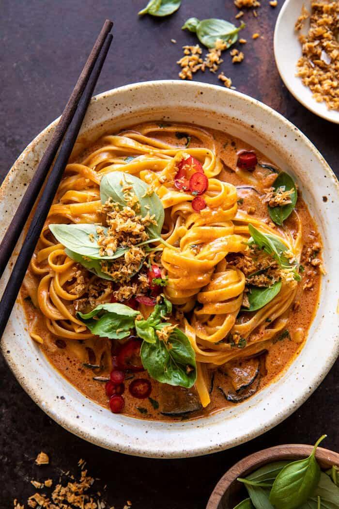 20 perc vörös curry tészta sült kókusz fokhagymával