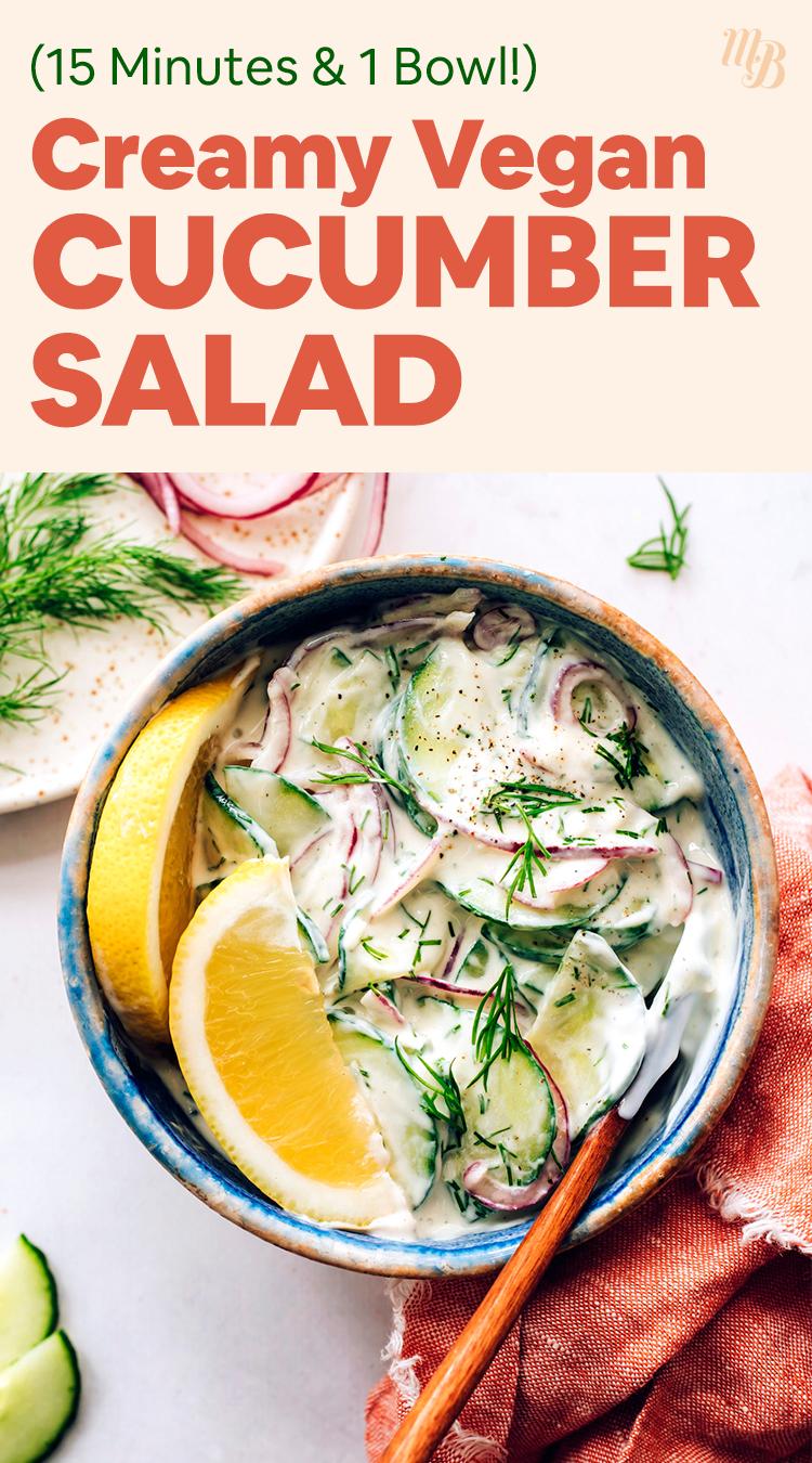 Tál vegán és gluténmentes krémes uborkasaláta, friss citrom ékkel, kaporral és retekkel az oldalán