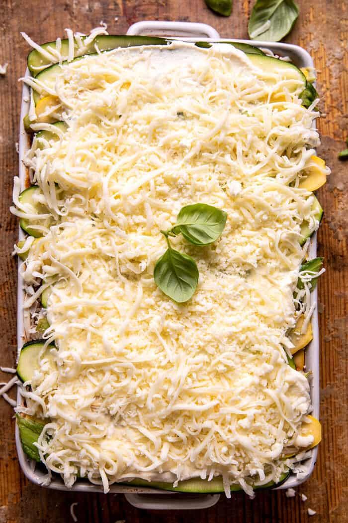 Fűszeres cukkini ricotta lasagna oregano zsemlemorzsával  halfbakedharvest.com