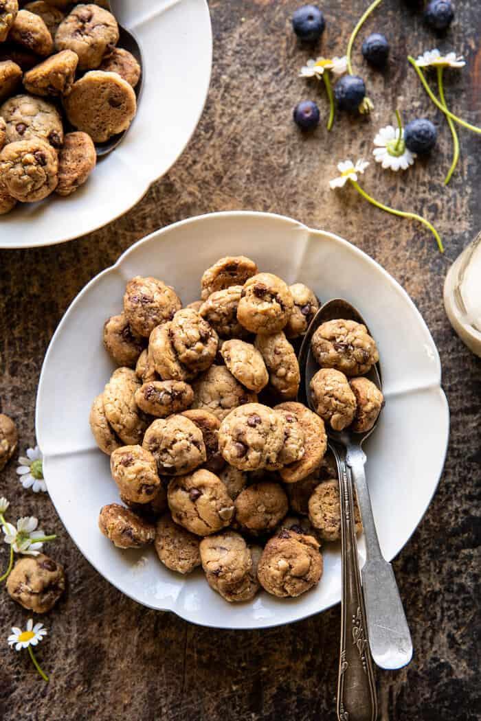 Házi zabpehely csokoládé chips süti ropogós gabona    halfbakedharvest.com