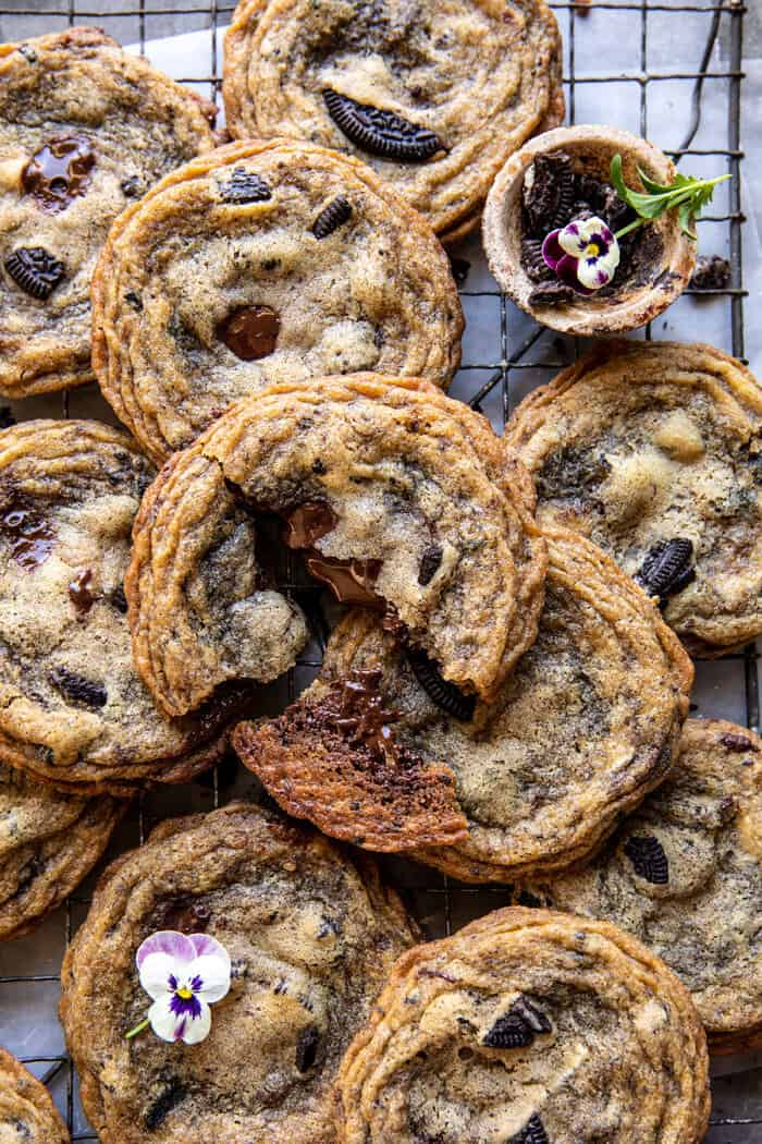 Cookies n' Cream Chocolate Chip Cookies | halfbakedharvest.com