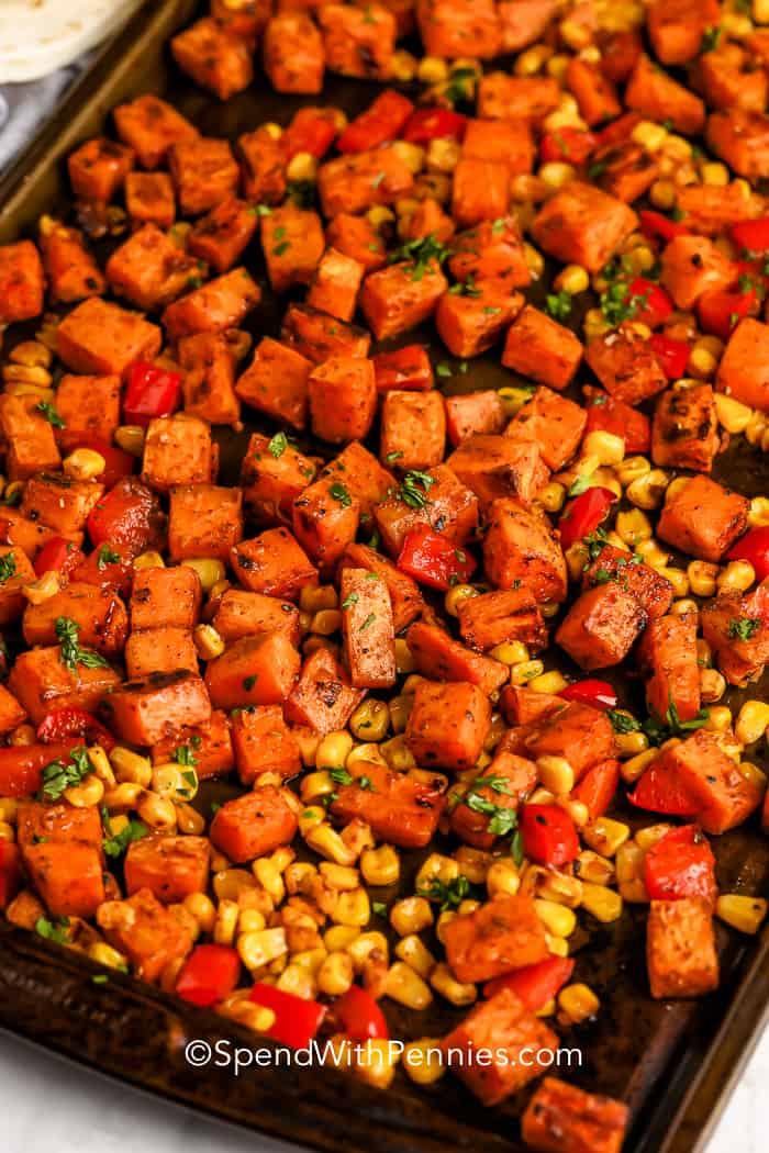 sült édesburgonya és kukorica az édesburgonya Tacos számára