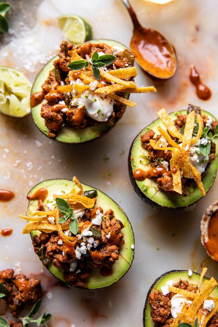 Taco töltött avokádó chipotle szósszal és Cilantro Lime Ranch - tel  halfbakedharvest.com