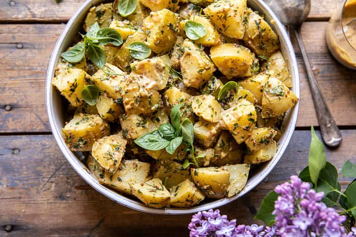 A legjobb egyszerű vegán burgonyasaláta  halfbakedharvest.com