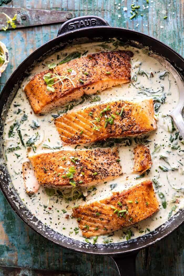 Fokhagymavaj tejszínes spenót lazac  halfbakedharvest.com #salmon # tengeri receptek # tengeri # vacsora