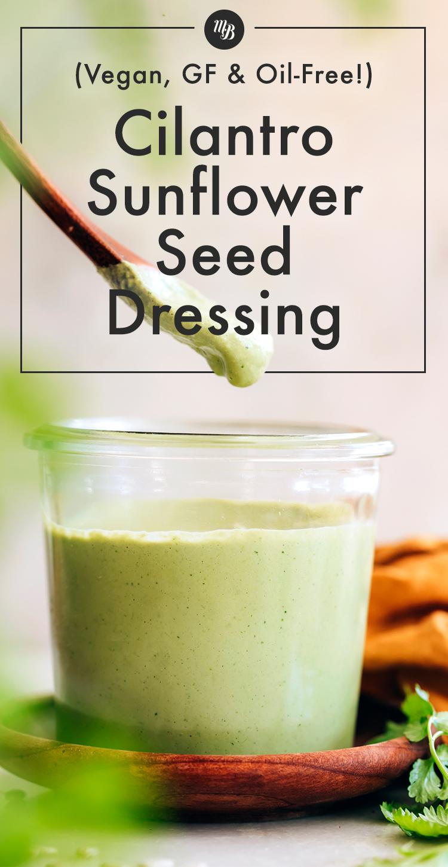 Üveg vegán és gluténmentes koriander napraforgómag öntettel
