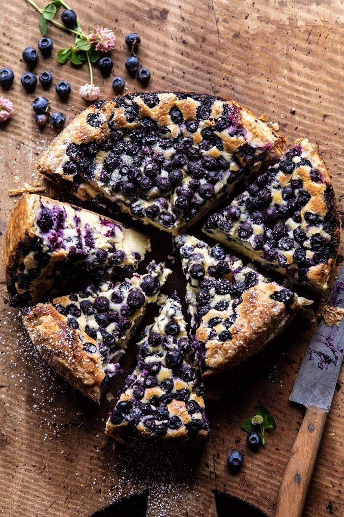 Egyszerű áfonyás baszk sajttorta    halfbakedharvest.com # sajttorta # kék áfonya # torta # tengeri receptek