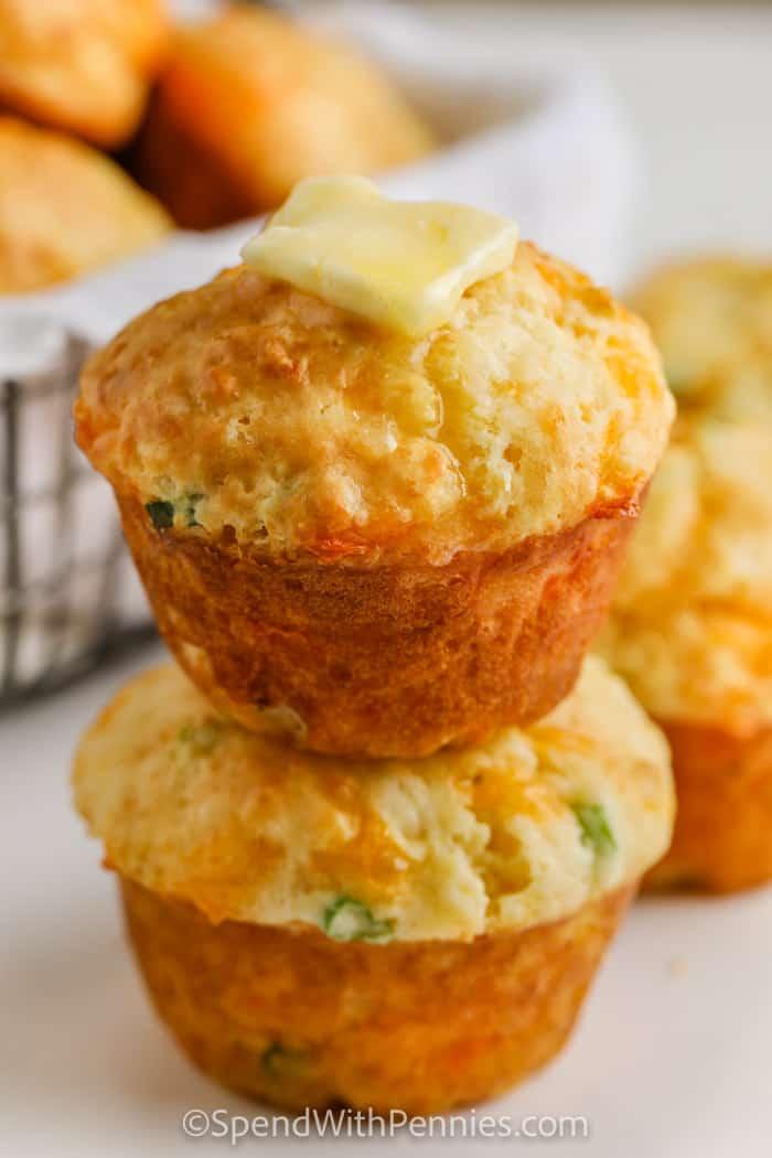 Sajt Muffin (gyors kenyér) olvasztott vajjal