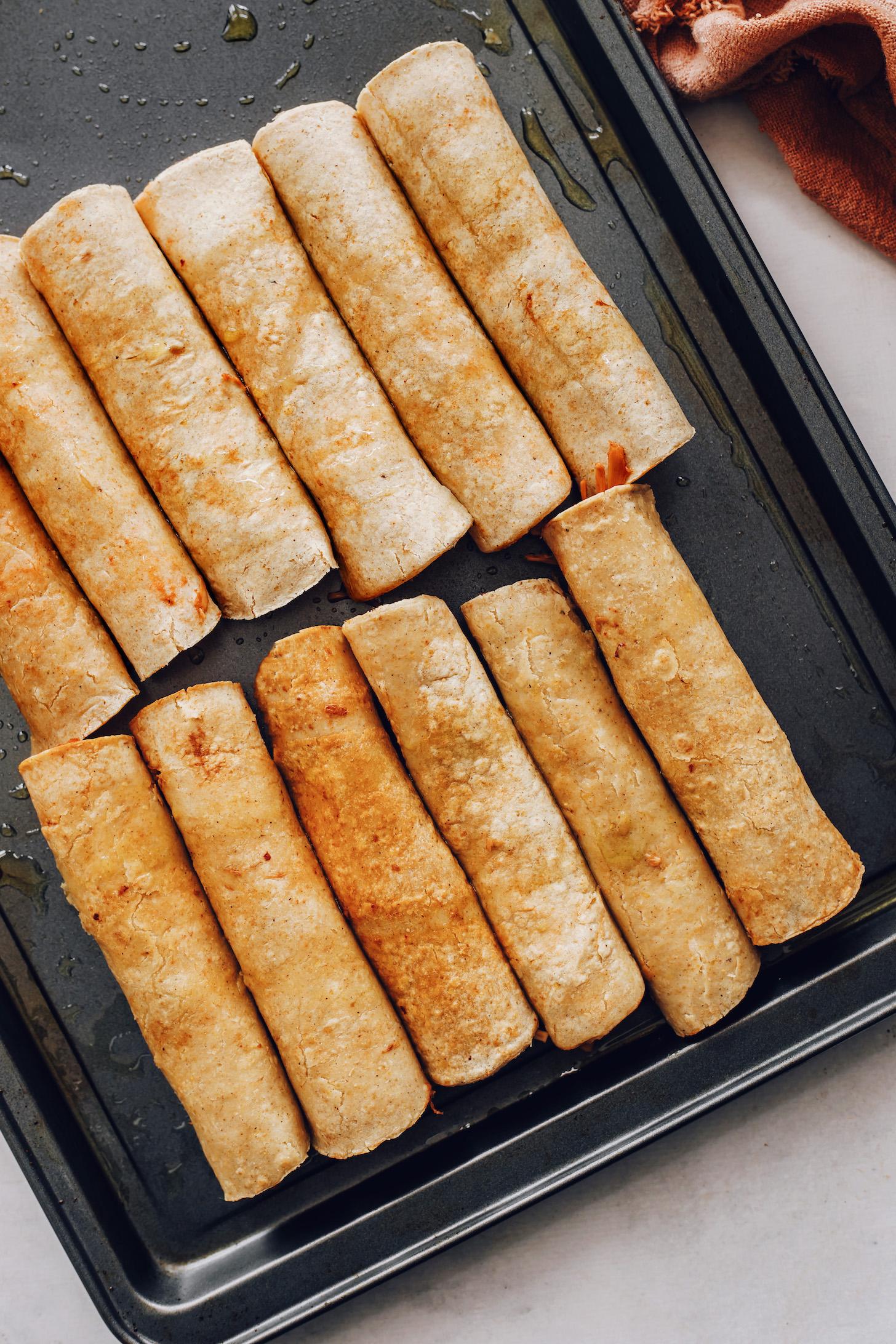 Vegán taquitos sütőlapra kész sütőben