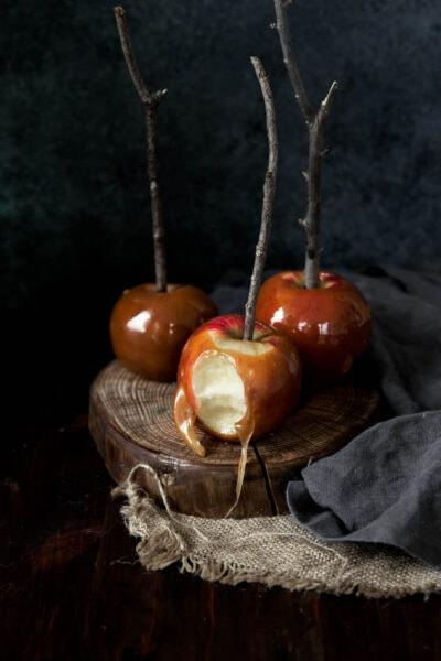 Házi karamellás alma bourbonnal fűszerezve és barna vajjal ízesítve ... uhm, IGEN KÉRJÜK ?!
