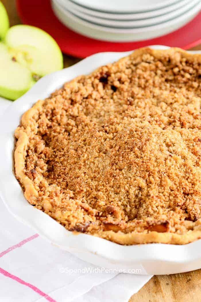Almás morzsás pite lepénytálban